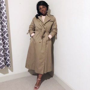 Burberry Classic Trench Coat Wool Lining.